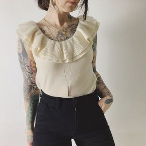 Cashmere EVELYN GRACE Ruffle Sleeveless Sweater